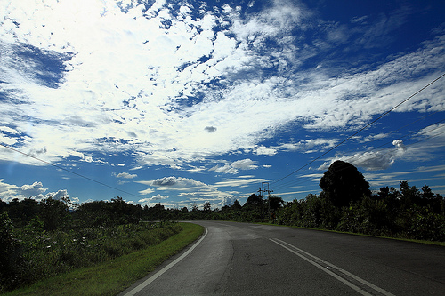 Pan Borneo Highway, Sarawak.Photo by flickrhivemind.net