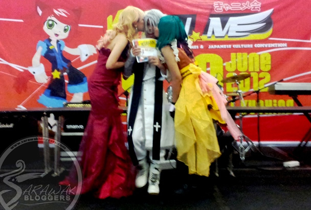Unexpected kiss seals KYAN!ME Convention 2012