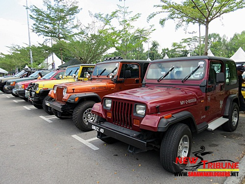 Even this jeeps made their way to the carnival.