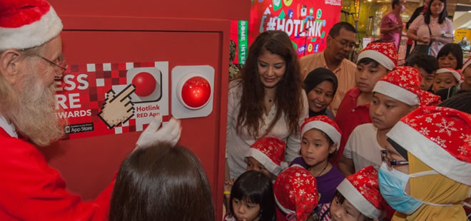 Maxis bring cheer to Sarawak through charity and a singing competition